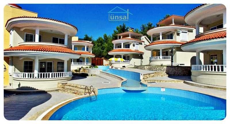 Akbükte Satılık Havuzlu Saunalı Müstakil Villa