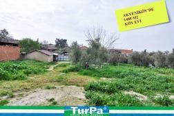 Didim Akyeniköyde Satılık Köy Evi ve Arsa