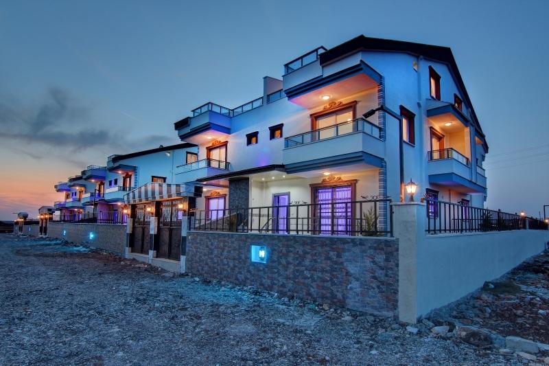 Didim Efeler Mahallesinde Havuzlu Villa Komplex te Satılık Villa