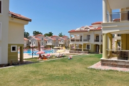 Didim Akbükte Havuzlu Site İçinde Satılık Villa 3+1