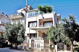 Didim Merkezde Satılık Denize Yakın 6+2 Villa