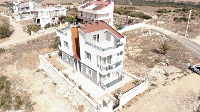 Didim Merkez de Deniz ve Yunan Adaları Manzaralı Müstakil Villa