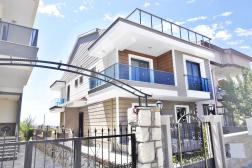 Didimde Satılık Sıfır Yapılı Lüks Villa