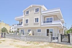 Mavişehirde Satılık Sıfır Yapılı Lüks Villa