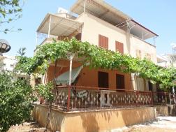 Didim Çamlıkta Denize Yakın Bahçeli 4+1 Satılık Villa