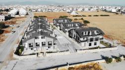 Didim Efelerde Satılık Site İçinde Havuzlu Villa 4+1