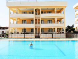 Geniş Balkonlu Yüzme Havuzlu Satılık Daire