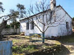 Didim Balat Köyünde Satılık Köy Evi ve Ahır