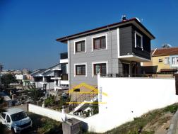 Mavişehirde Satılık Denize 100 Metre Mesafede 4+2 Villa