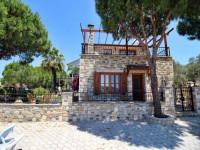Didim'de Denize Sıfır Günlük Kiralık Taş Villa