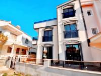 Didimde Satılık Villa Denize Sıfır Site İçinde 3+1