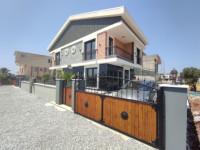 Didim Efeler Mahallesinde Satılık Müstakil Havuzlu Otoparklı 3+1 Villa